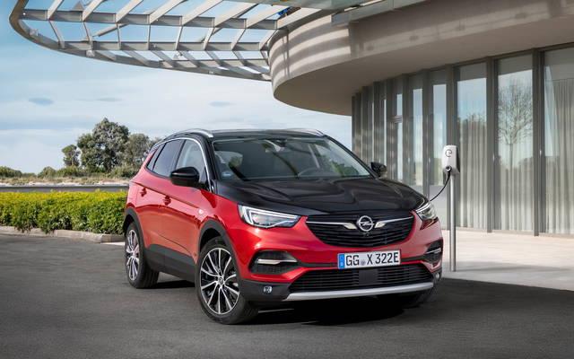 Opel Grandland x alla spina