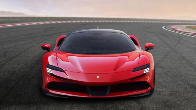 Frontale Ferrari SF90