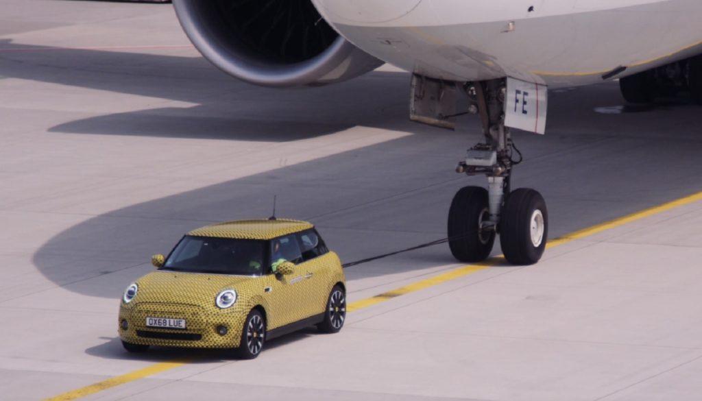 Mini Cooper SE ruota aereo