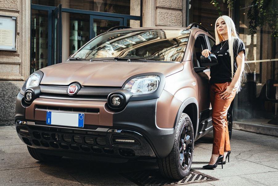 Fiat Panda Trussardi Ava Max