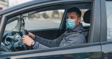 mascherina in auto si o no?